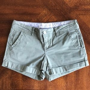 Aeropostale light olive green midi twill short 0